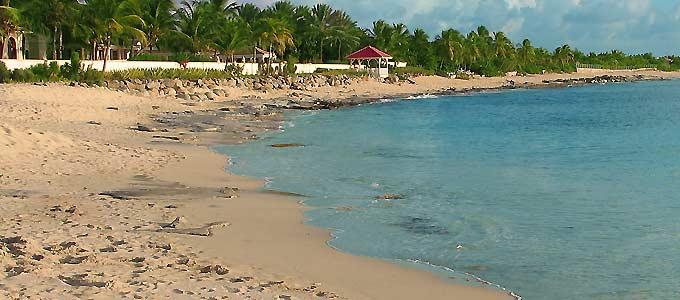 Photo of plum Bay beach
